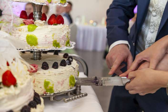 beim Anschnitt der Torte