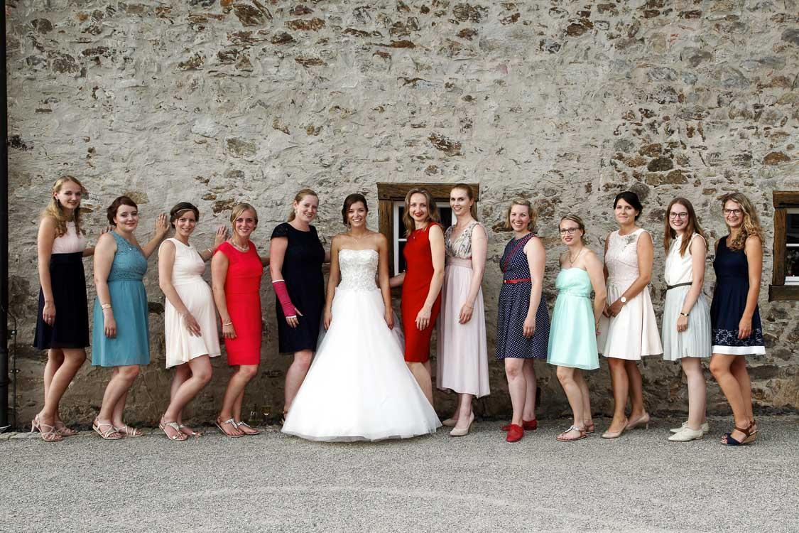 Braut und Freundinnen in Baden-Baden