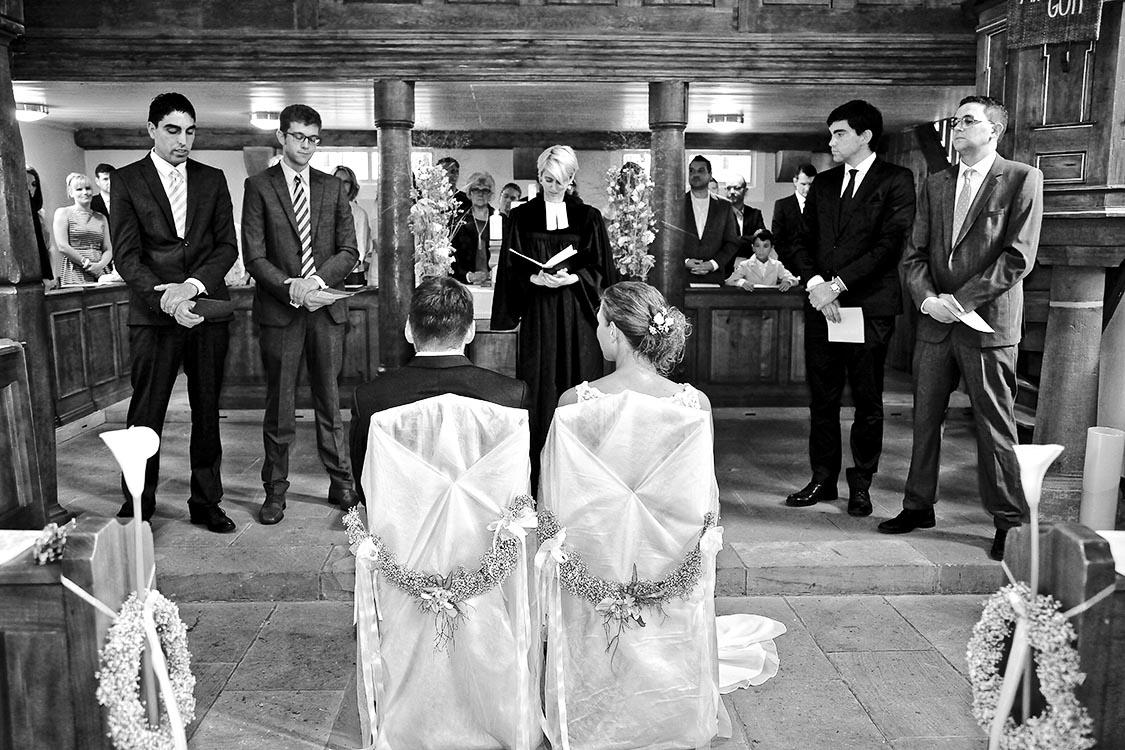 Brautleute, Trauzeugen und Pfarrerin