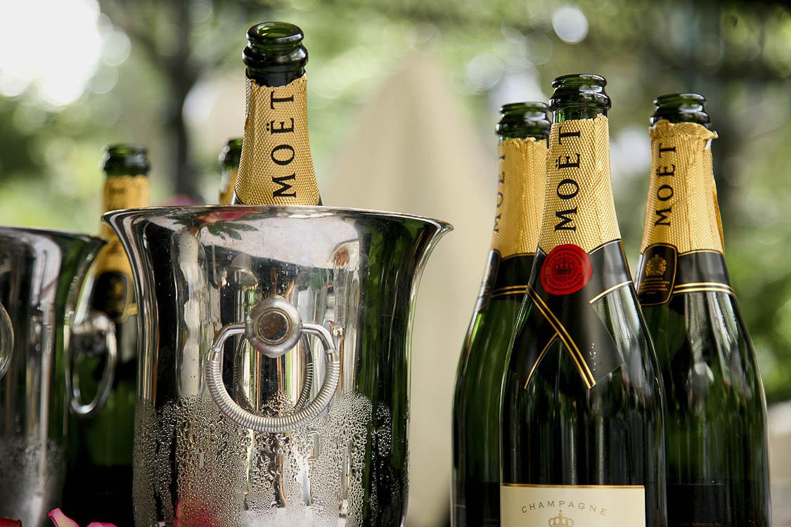 Champagnerflaschen vom Empfang