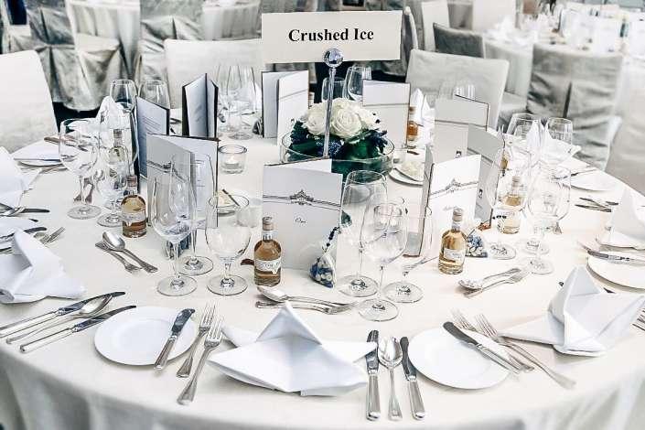Crashed-Ice, Hochzeitstisch