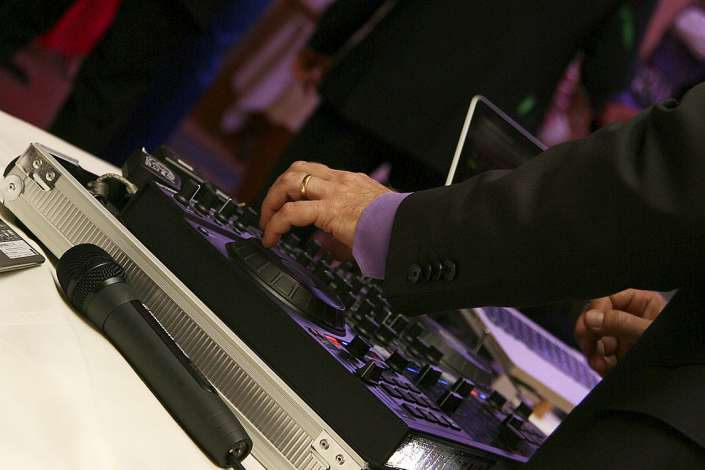 DJ auf dem Hochzeitsfest