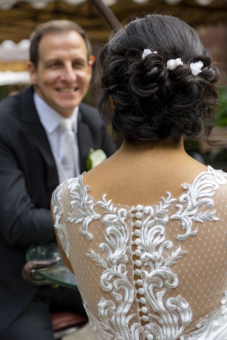 Braut im Vordergrund