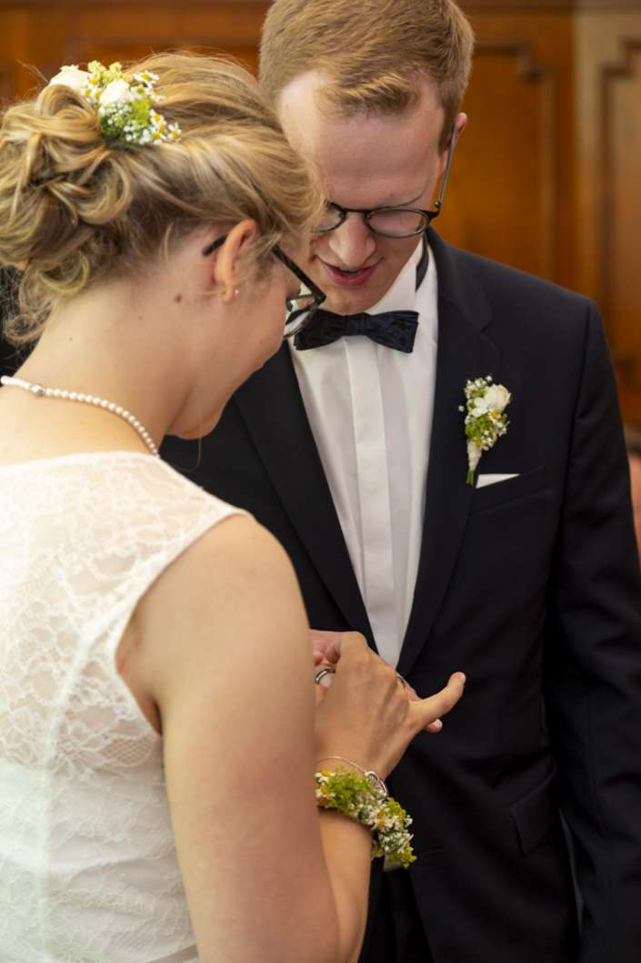 Eheversprechen, Ringe anstecken