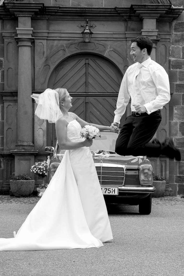 Fotograf Hochzeit in St. Märgen, der Luftsprung