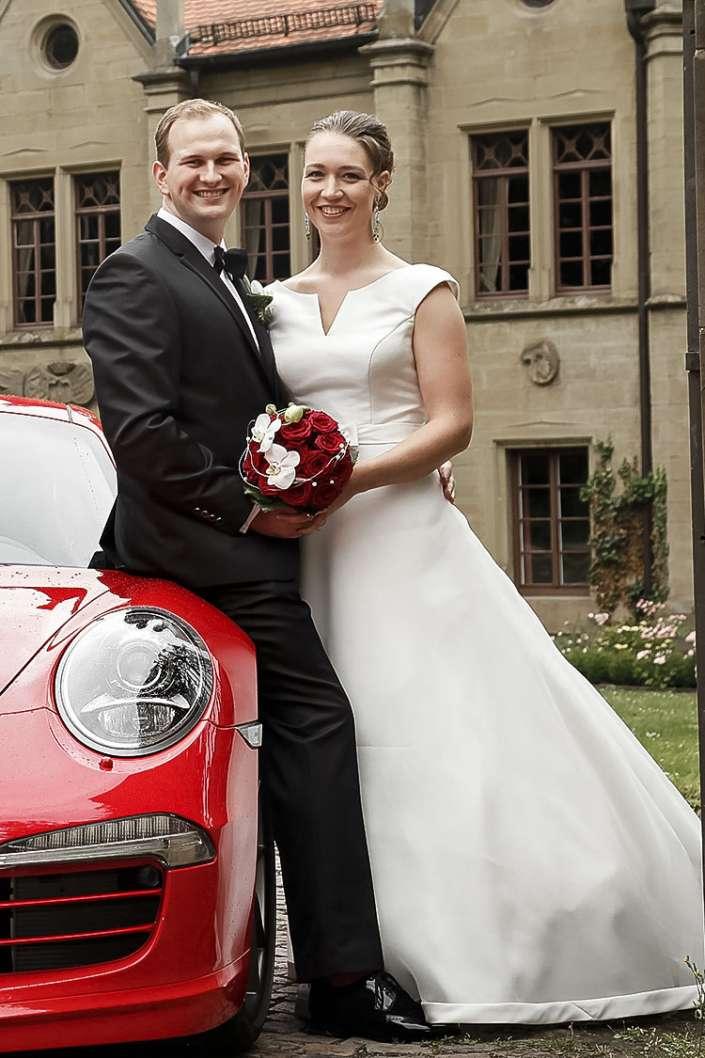 Foto mit Porsche als Brautwagen