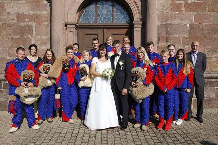 Hästräger bei einer Hochzeit in St.Peter