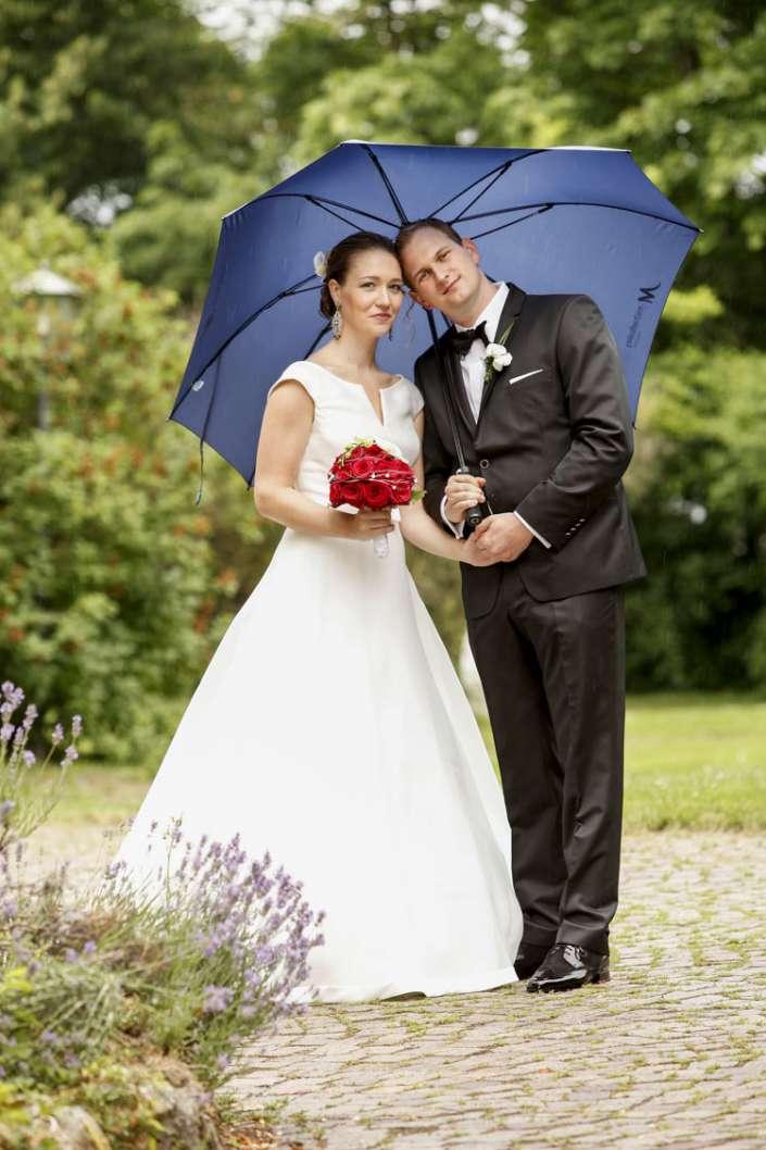 Hochzeitsbilder, nicht im Regen stehen