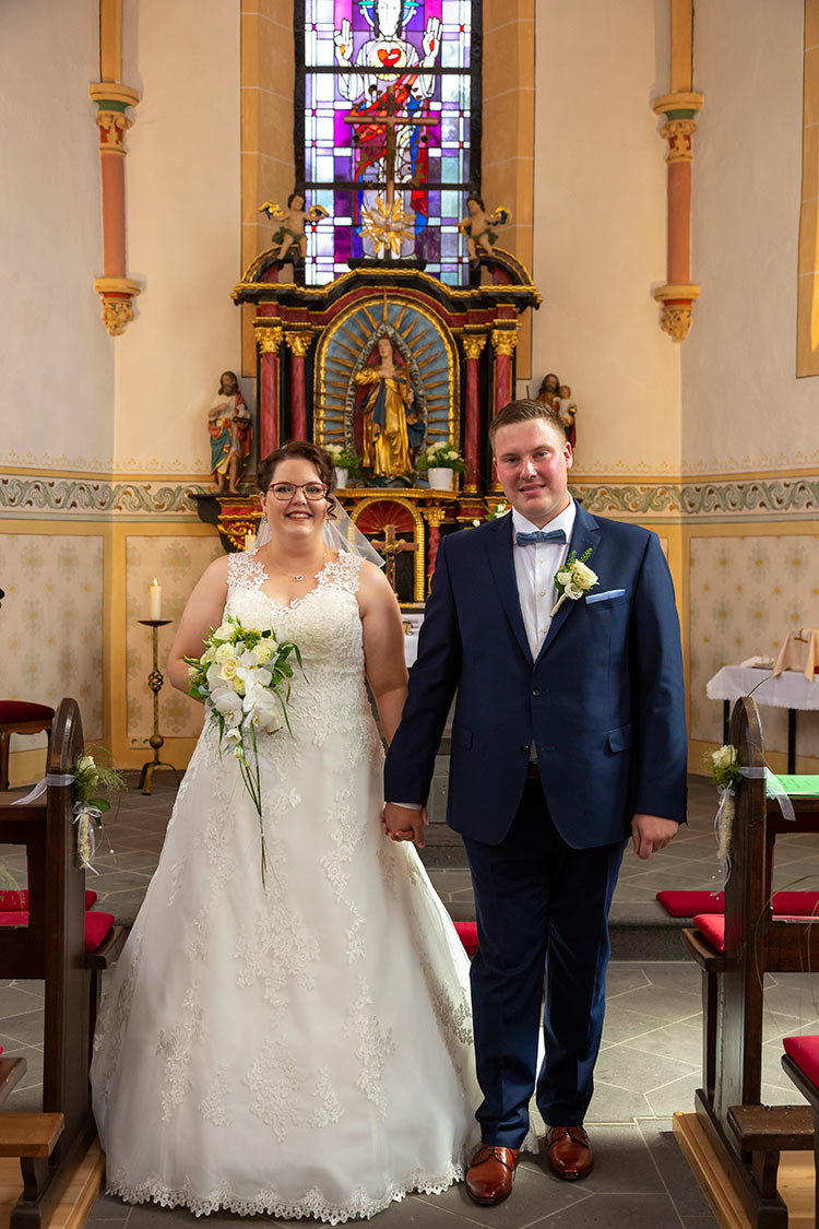 Hochzeitsfotograf Kastellaun Kirche Reportage fotografiert von Dario
