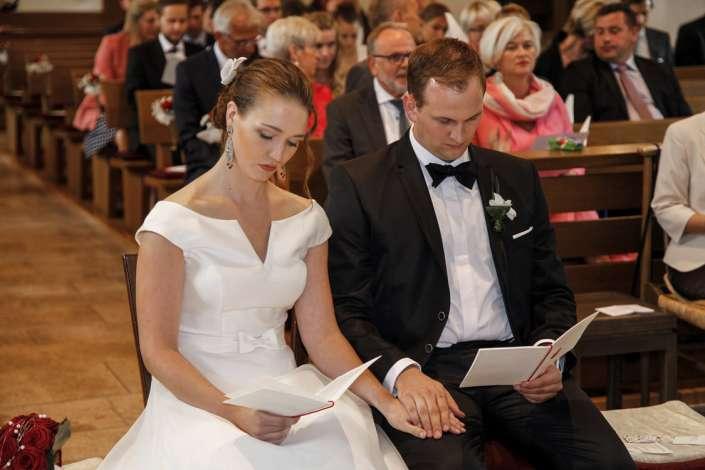 Hochzeitsfotografie in Freiburg in der Kirche