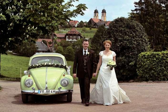 Hochzeitsfotos mit VW beim Fotografen in St.Märgen