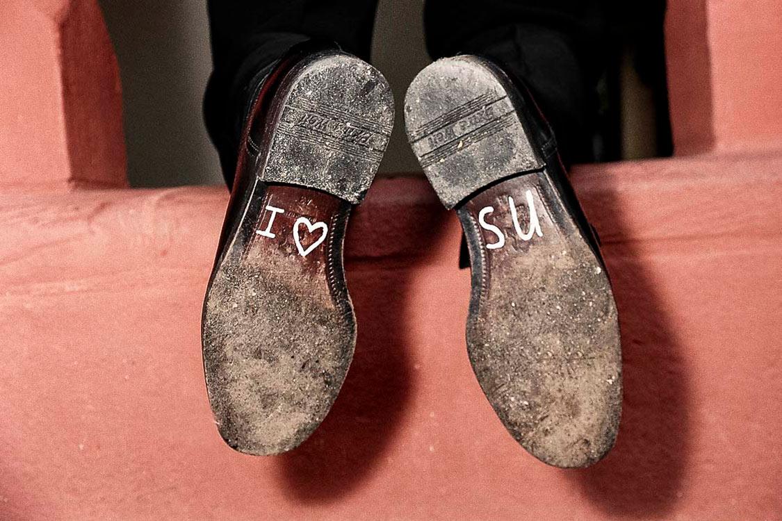 Schuhe mit Aufschrift-I-love-SU