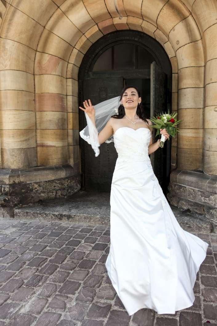 Hochzeitsfoto in Karlsruhe, Brautfoto im Wind