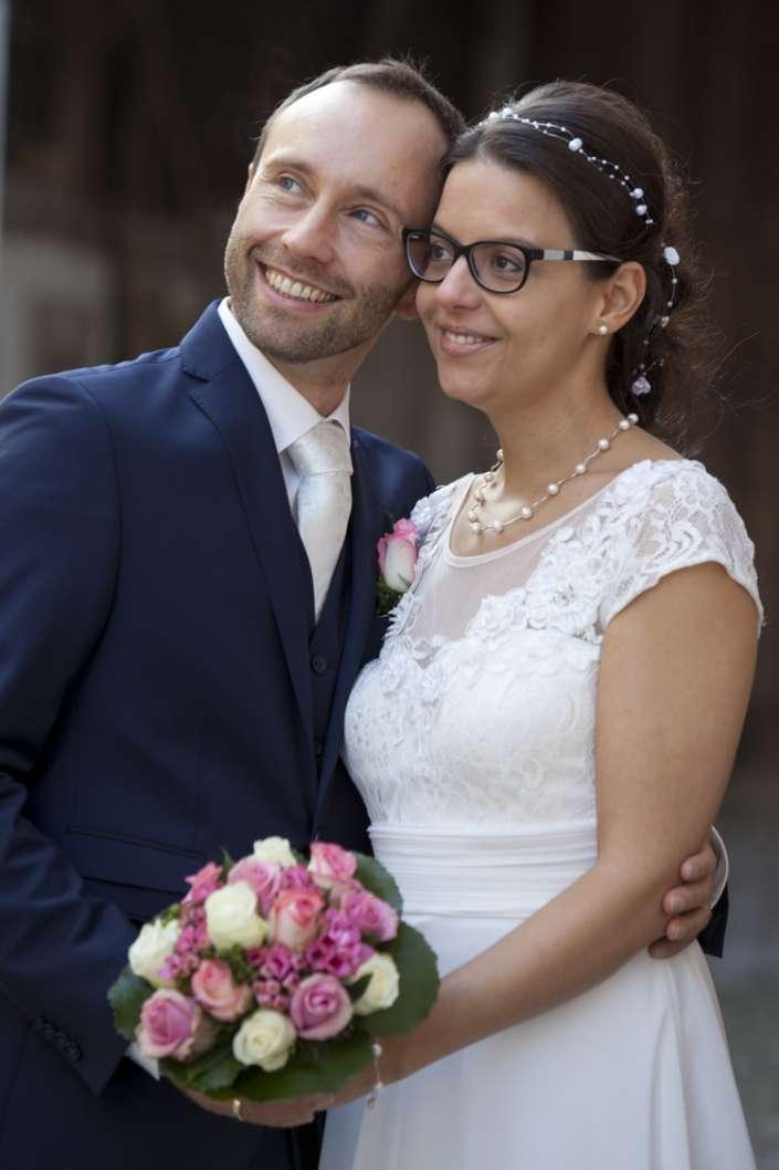 lachendes Brautpaar Portrait