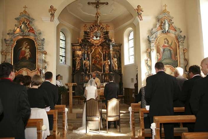 bei der kirchlichen Trauung