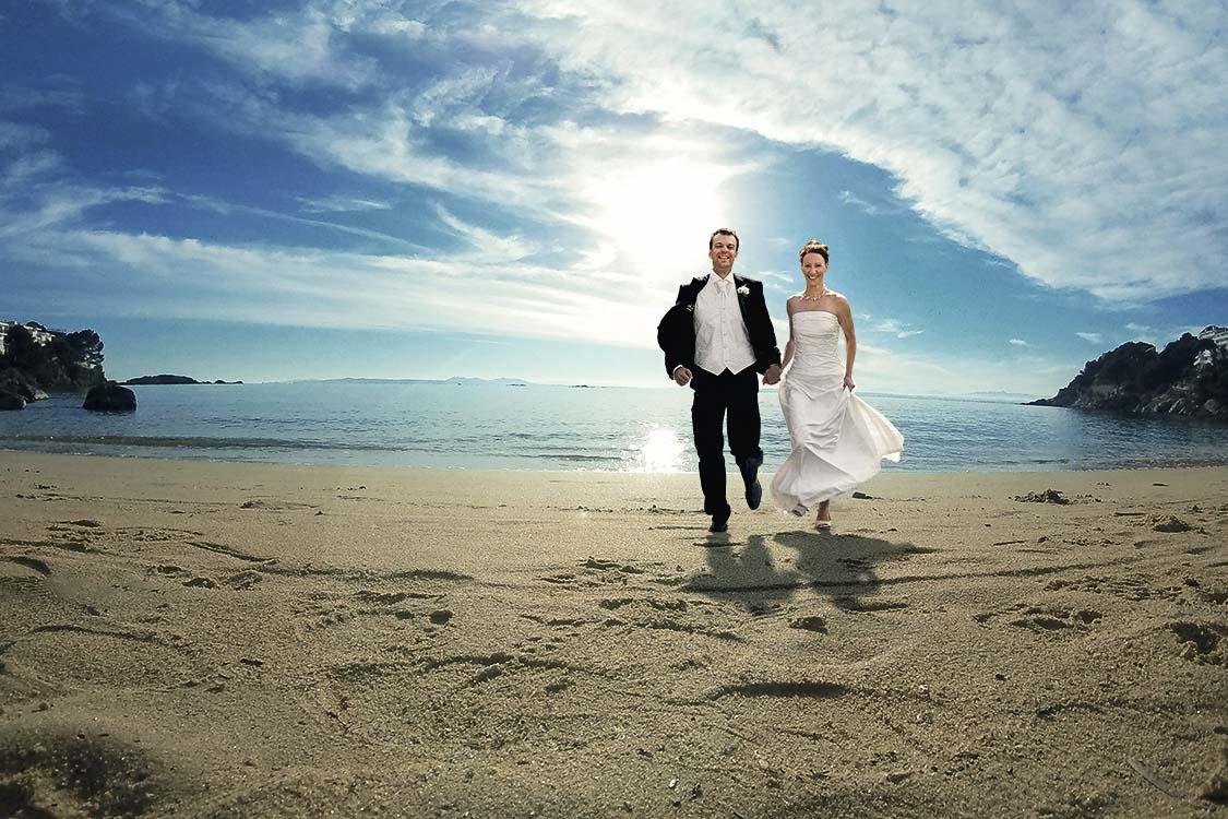 Wolke-7 ein schwarzweißes Hochzeitsbild