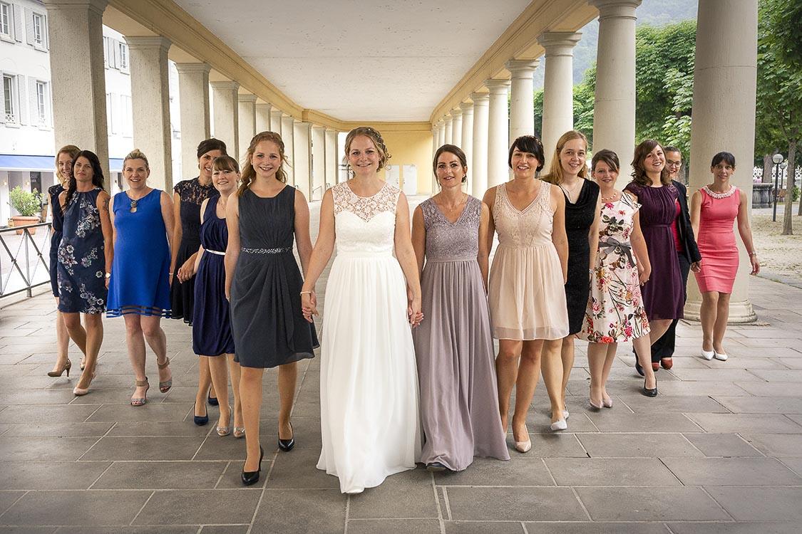 Die Braut mit den Mädels