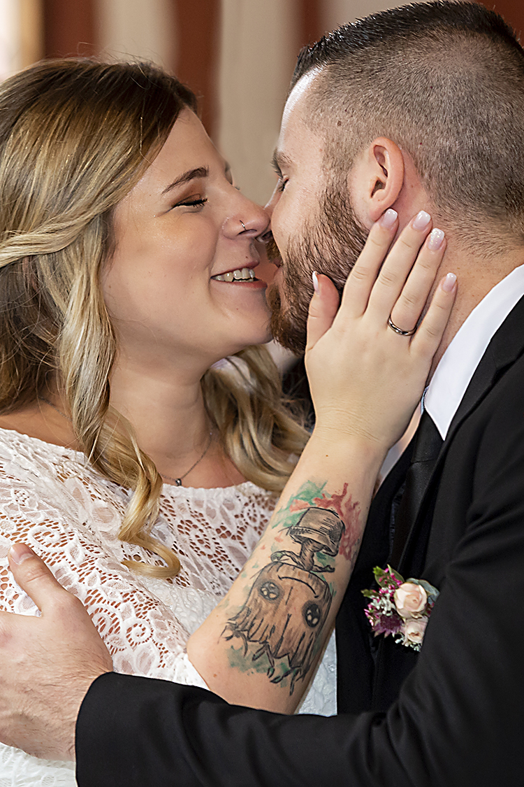 der erste offizielle Kuss