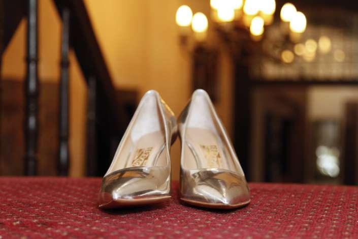 meine goldenen Brautschuhe